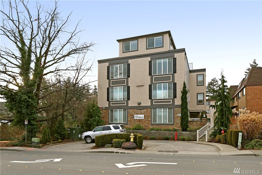 371 100th Ave NE Bellevue WA 98004