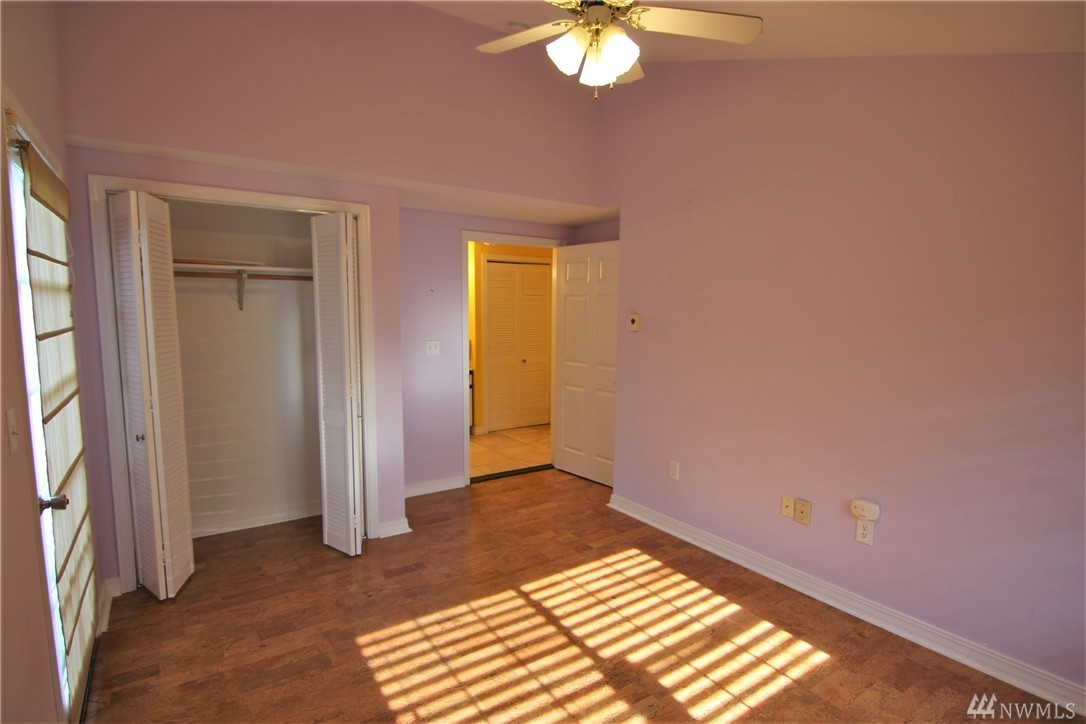 Home for sale 5009 colby ave s everett wa nwmls 1117223 for Hardwood floors everett wa