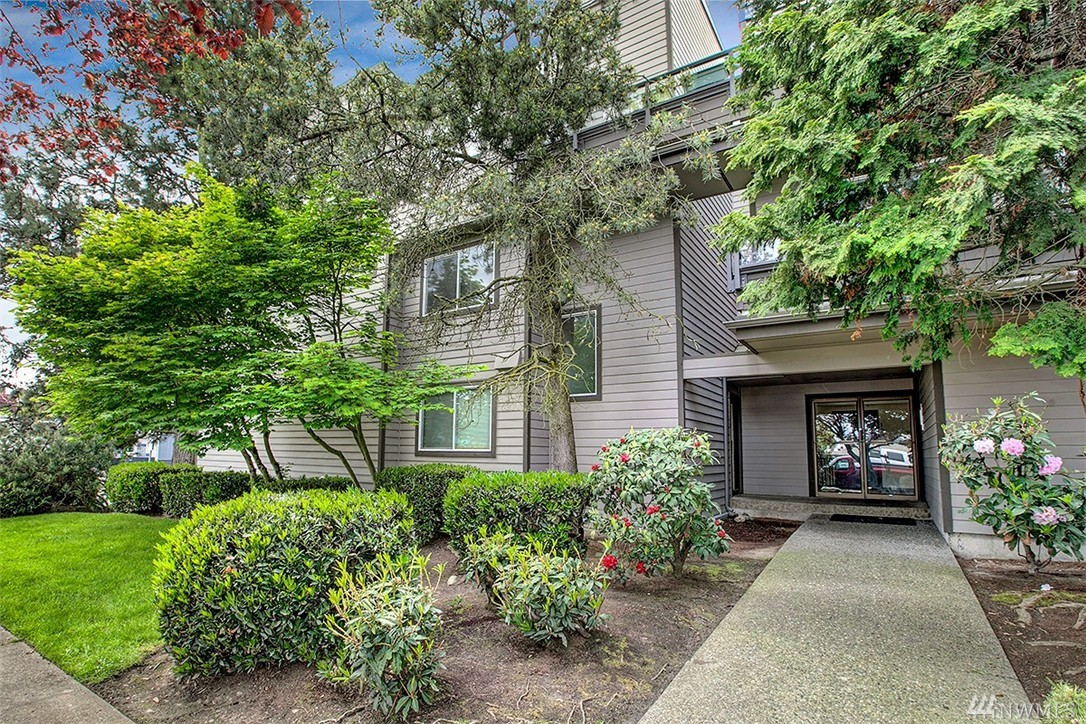 Condo unit 205 at graham view terrace seattle sold nwmls for 50 park terrace west