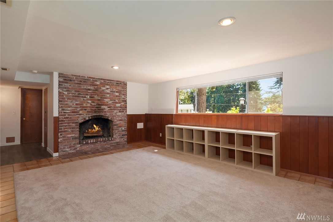 Photo 16 of 17610 NE 8th Pl Bellevue WA 98008