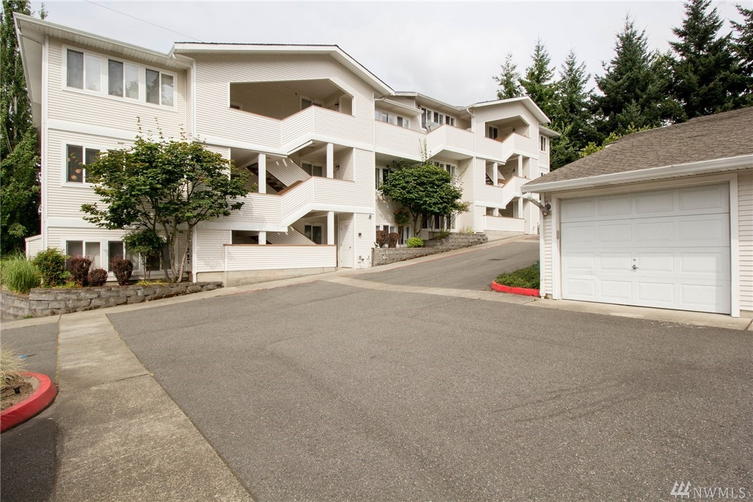 12406 SE 31st St Bellevue WA 98005