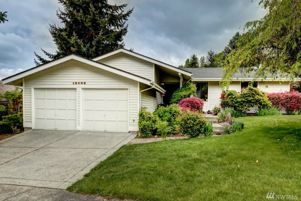 Photo 2 of 13406 SE 56th Pl Bellevue WA 98006