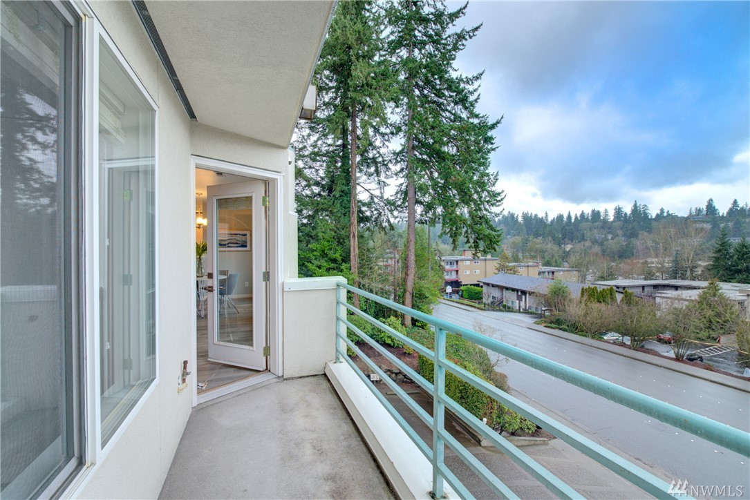 Photo 20 of 420 Bellevue Way SE Bellevue WA 98004