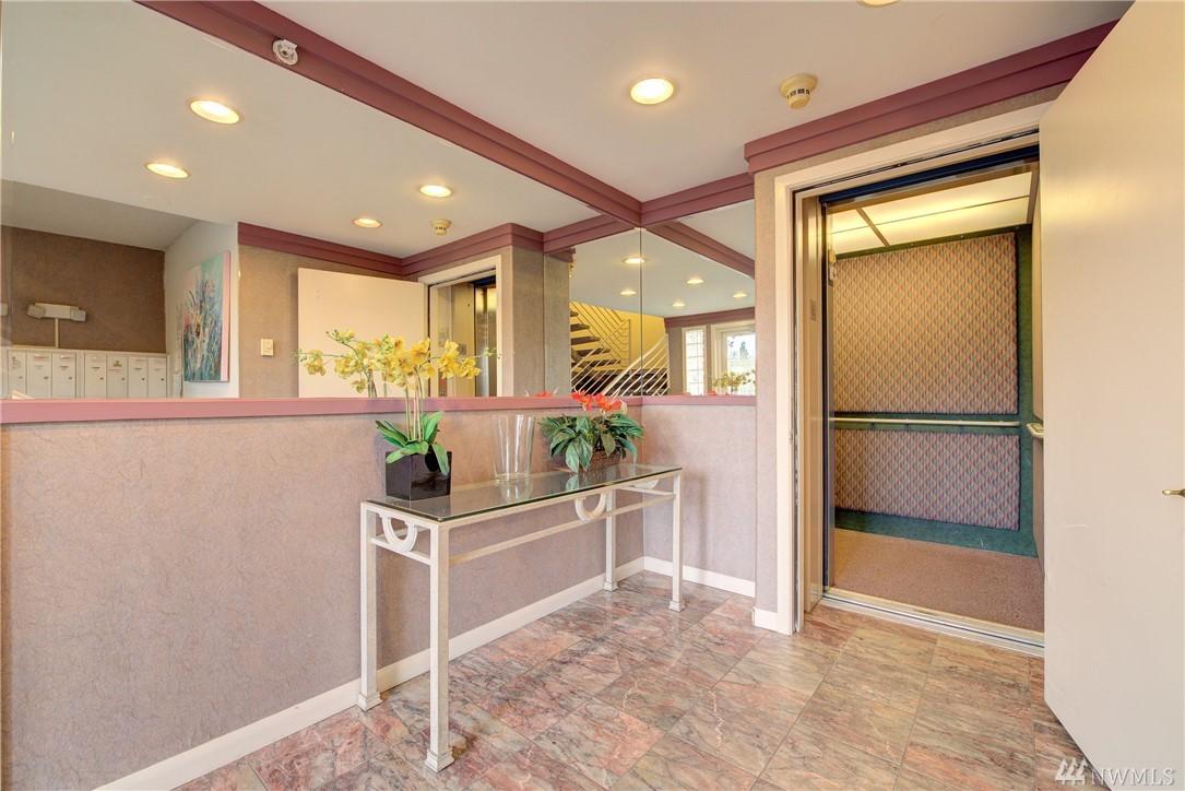 Photo 23 of 420 Bellevue Way SE Bellevue WA 98004