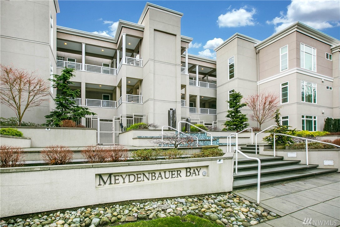 10055 Meydenbauer Way SE Bellevue WA 98004