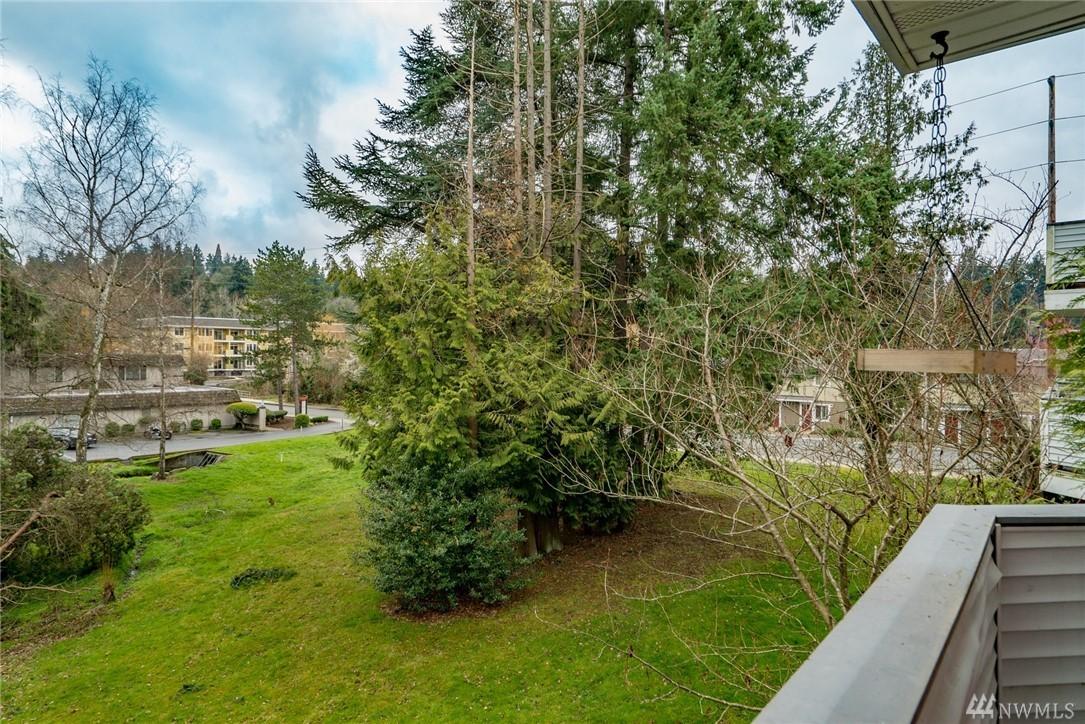 Photo 21 of 342 102nd Ave SE Bellevue WA 98004