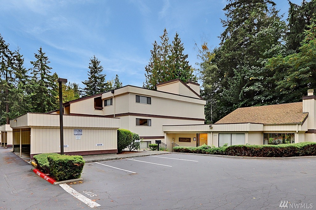 13735 15th Ave NE Seattle WA 98125
