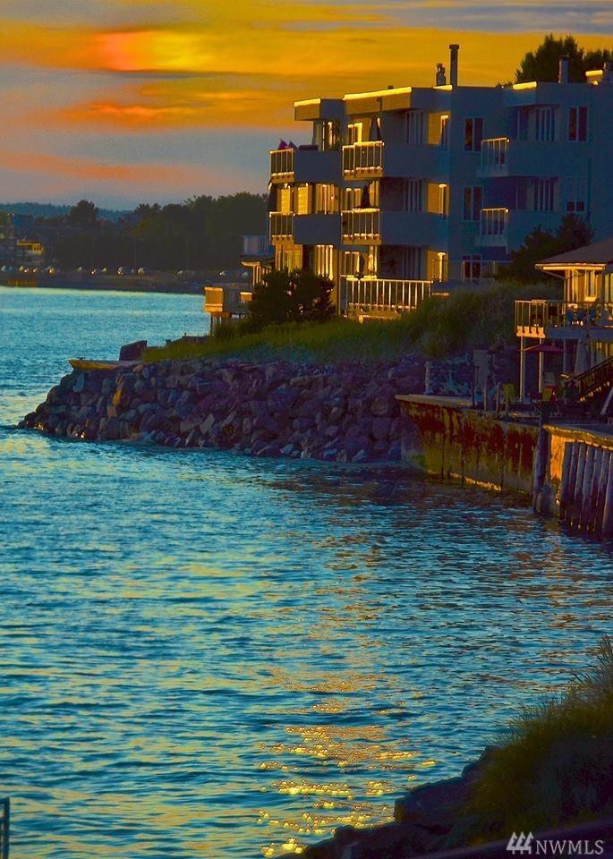 4163 Beach Dr SW Seattle WA 98116