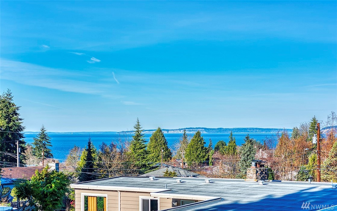 1045 Daley St Edmonds WA 98020