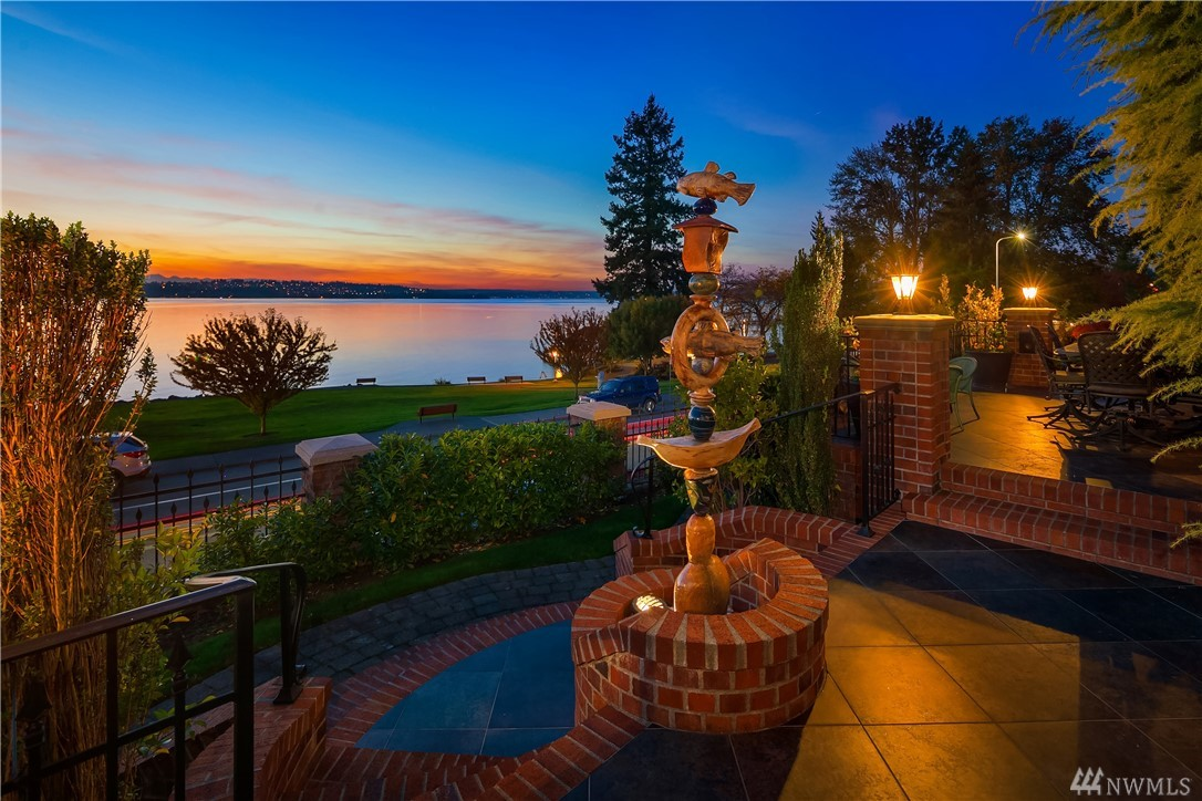 Photo 2 of 6610 Lake Washington Blvd Kirkland WA 98033