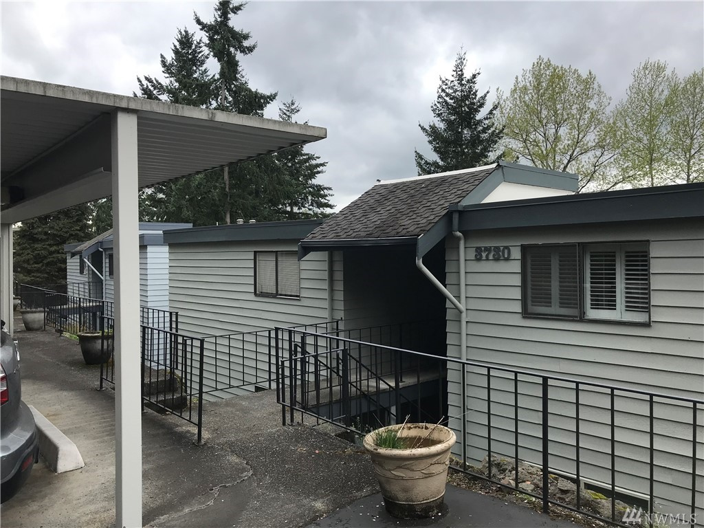 3730 Lake Washington Blvd SE Bellevue WA 98006