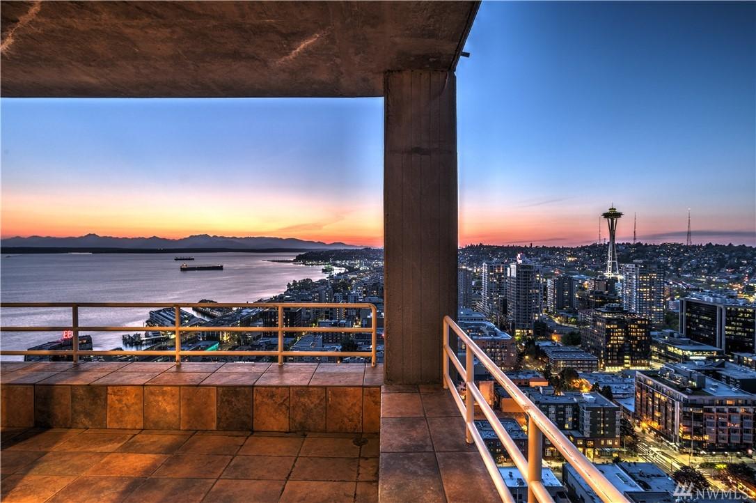 Photo 2 of 2125 1st Ave Seattle WA 98121