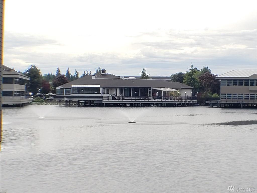 4 Lake Bellevue Dr Bellevue WA 98005
