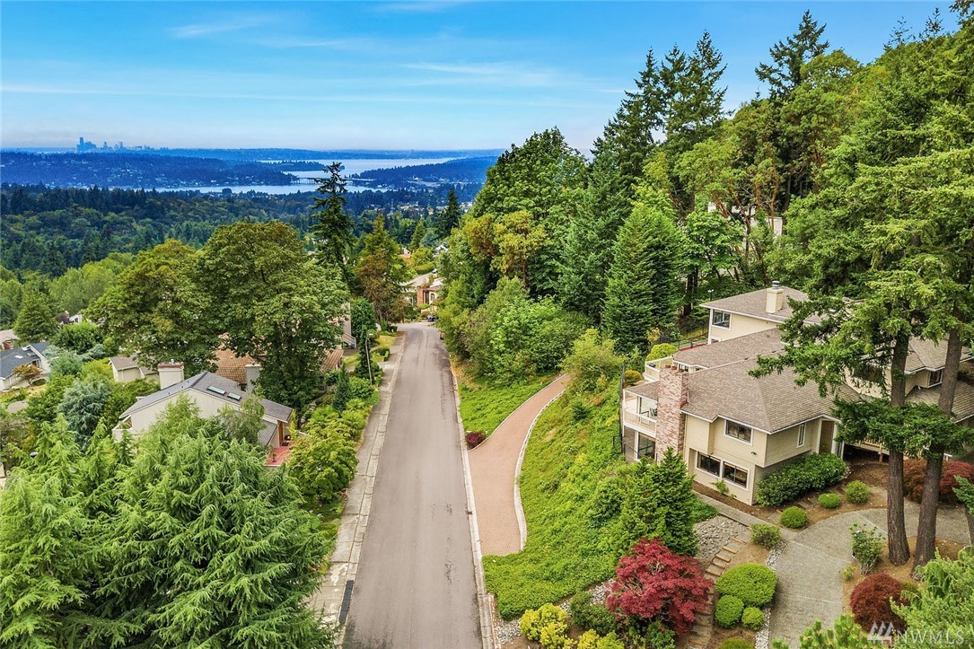 13524 SE 50th Pl Bellevue WA 98006