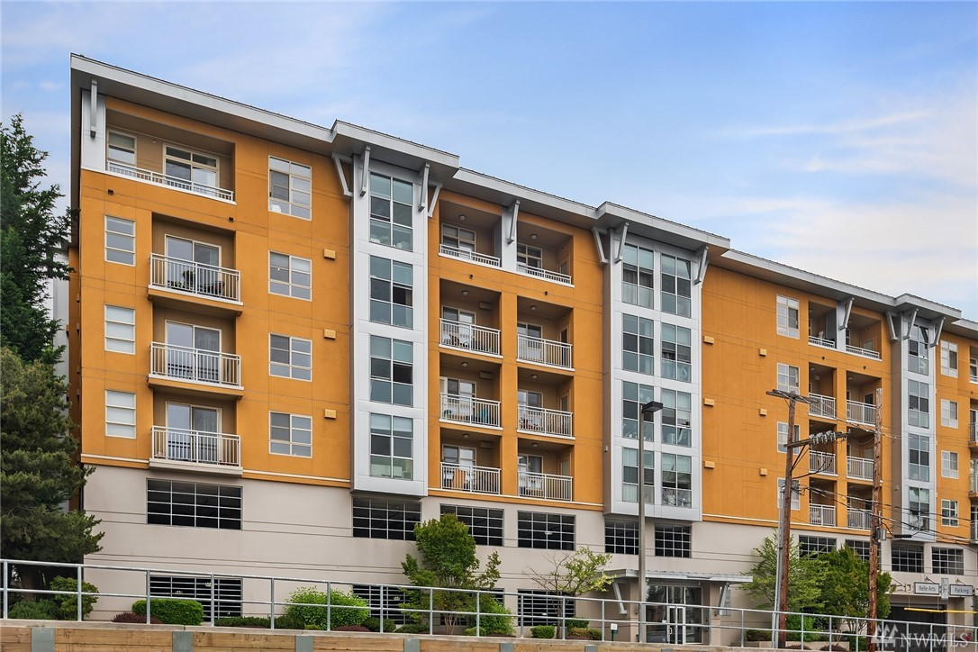 111 108th Ave NE Bellevue WA 98004