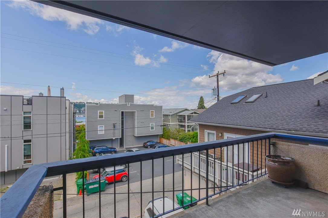 2219 Eastlake Ave E Seattle WA 98102