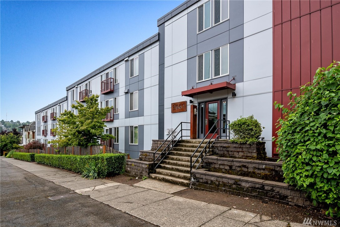 3661 Phinney Ave N Seattle WA 98103