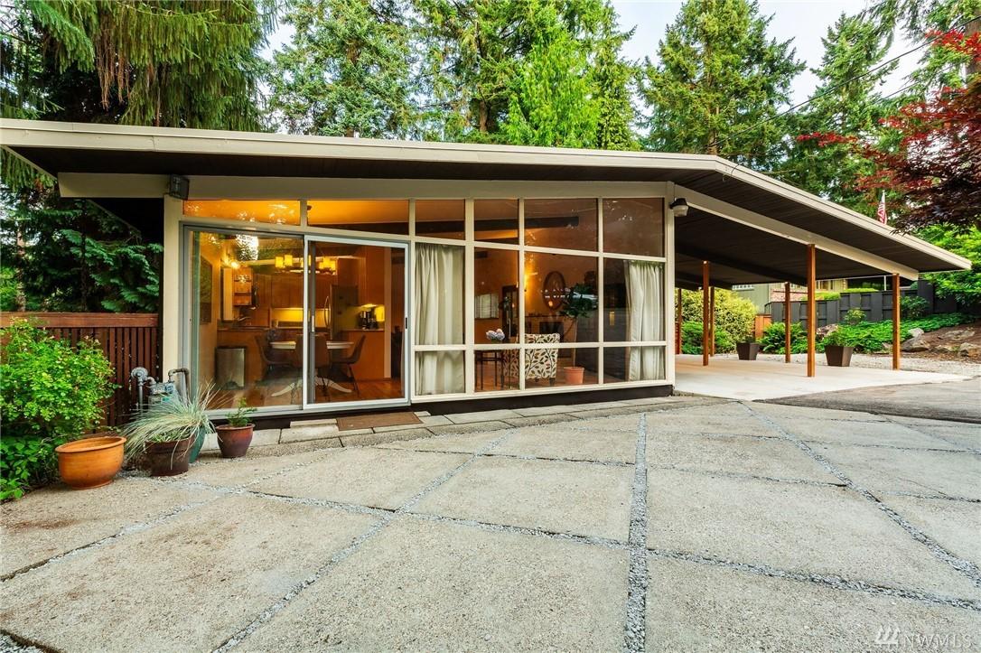 10640 Woodhaven Ln Bellevue WA 98004