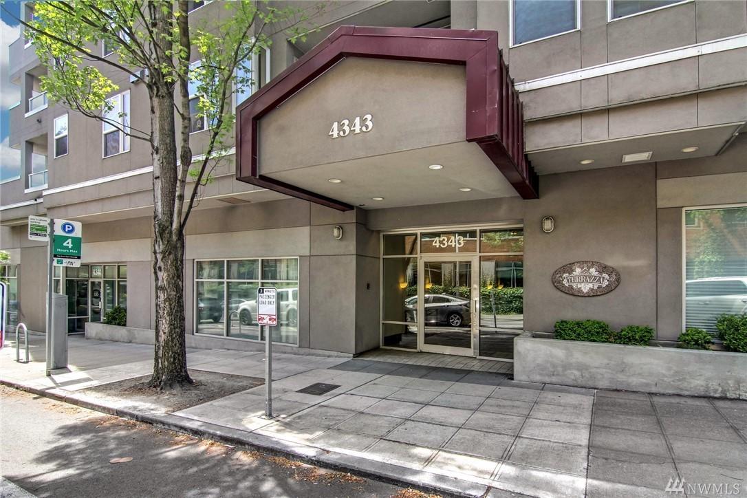 4343 Roosevelt Way NE Seattle WA 98105
