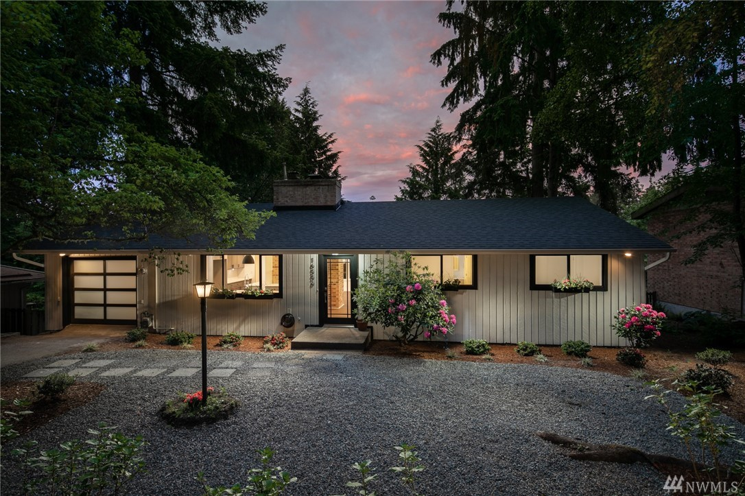16556 35th Ave NE Lake Forest Park WA 98155