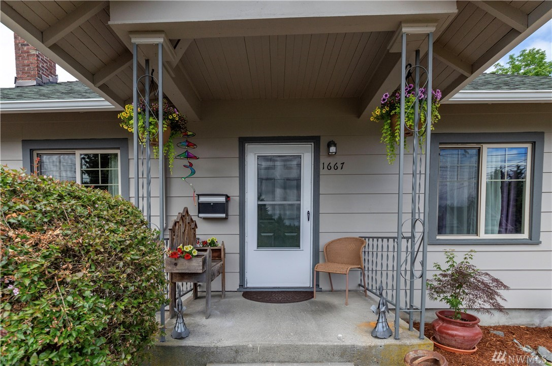 1667 S 42nd St Tacoma WA 98418