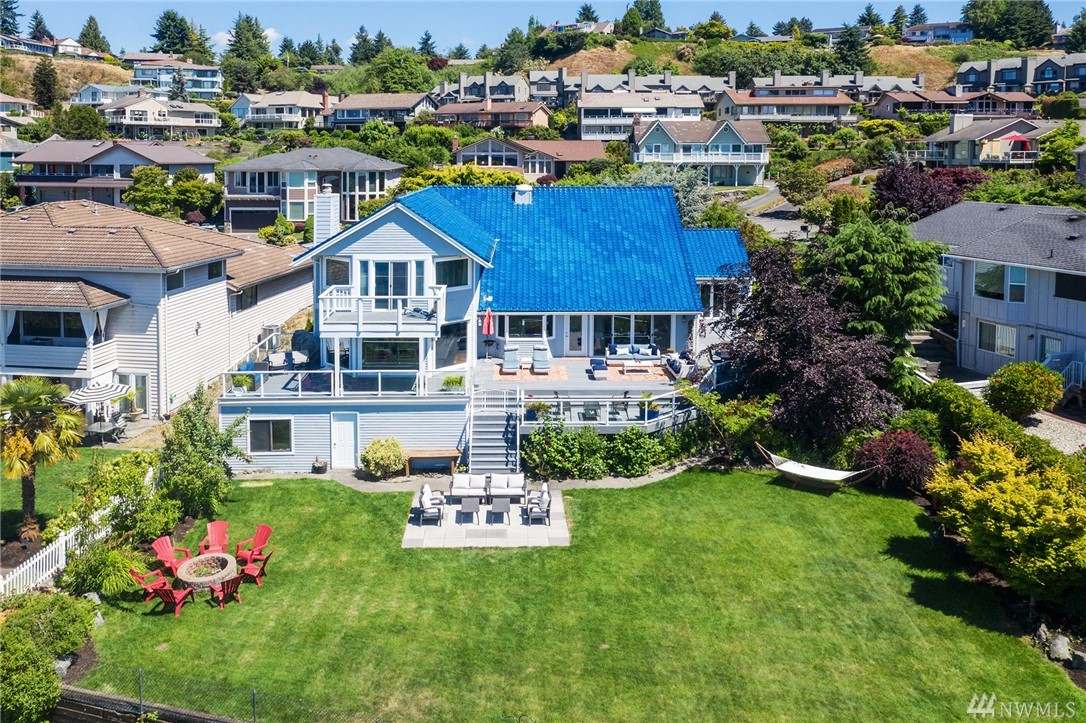 96 Tatoosh Pl Steilacoom WA 98388