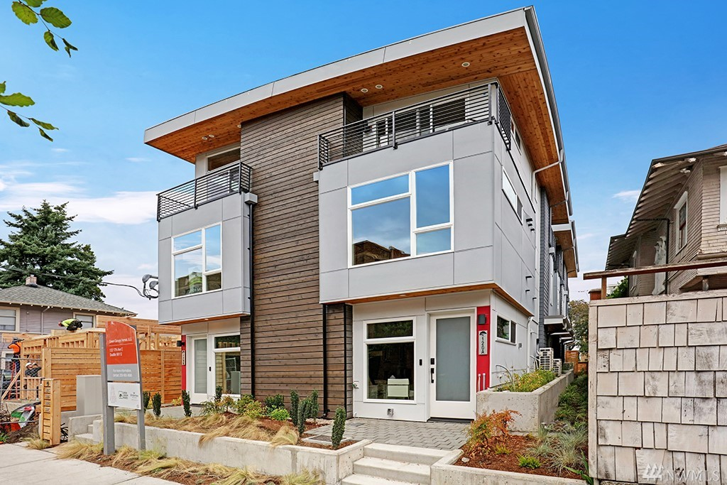 120 A 17th Ave E Seattle WA 98112
