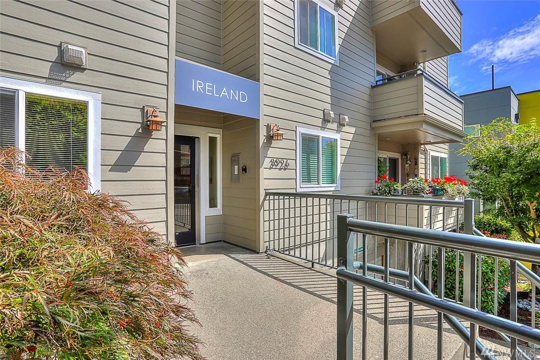 3926 1st Ave NE Seattle WA 98105