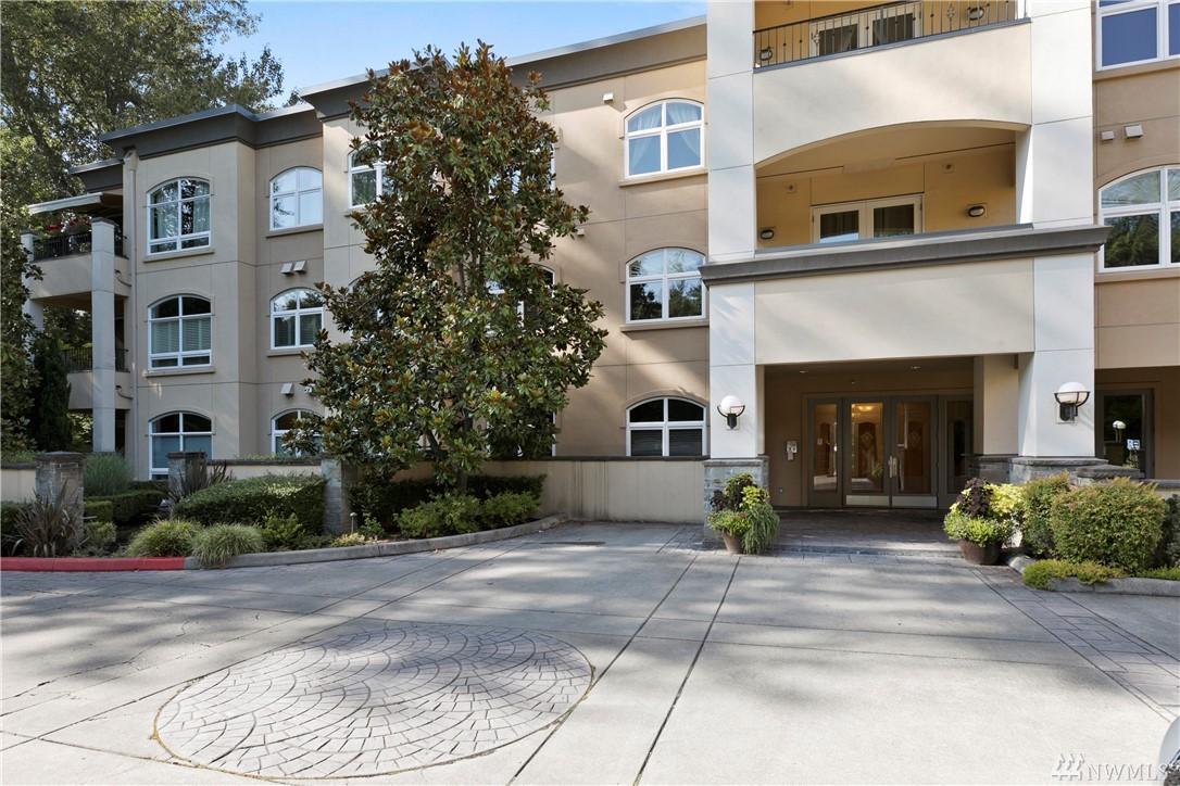10398 NE 17th St Bellevue WA 98004