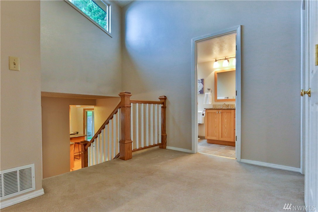 Photo 8 of 13205 SE 57th St Bellevue WA 98006