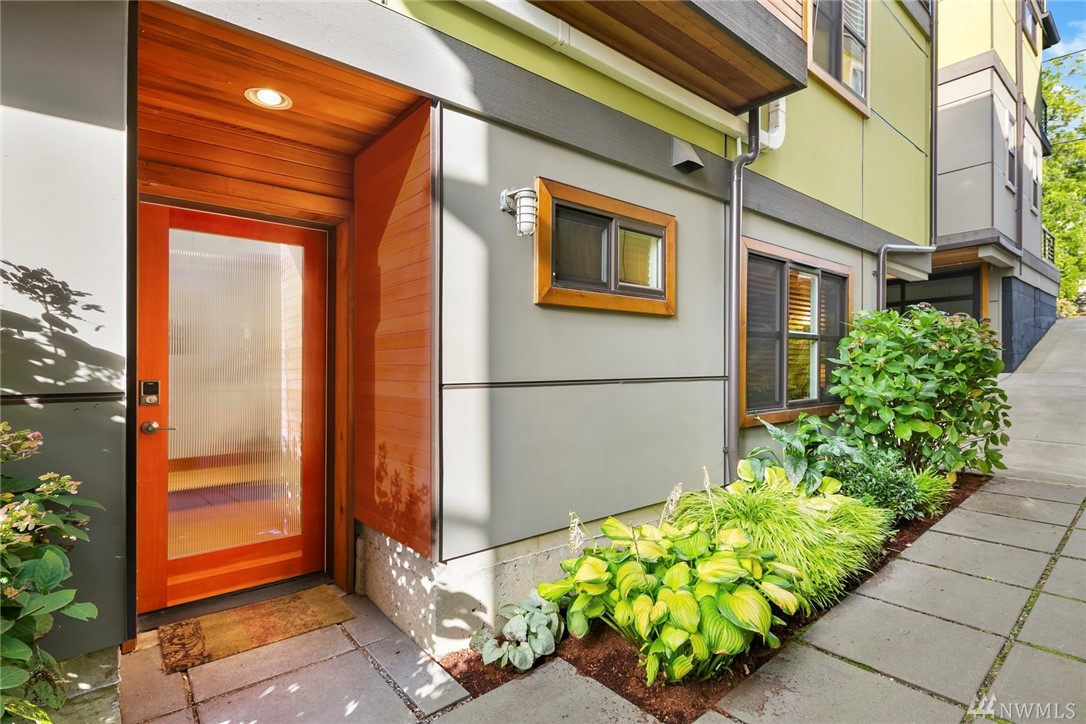4409 A Phinney Ave N Seattle WA 98103