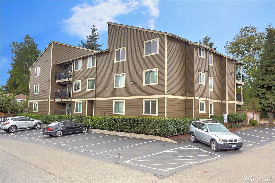 939 N 101st St Seattle WA 98133