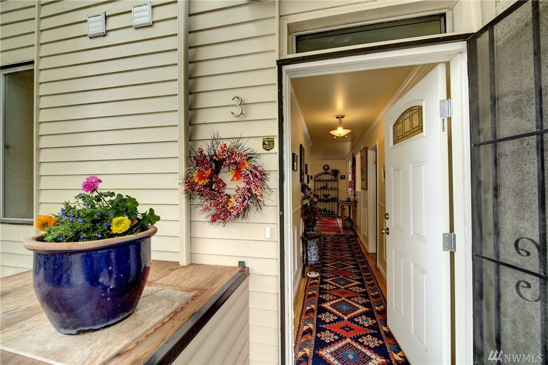 1758 Dexter Ave N Seattle WA 98109