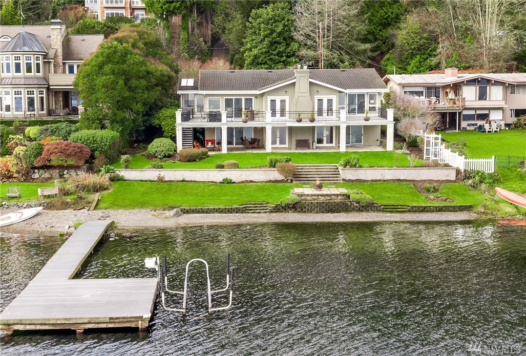 1822 W Lake Sammamish Pkwy SE Bellevue WA 98008