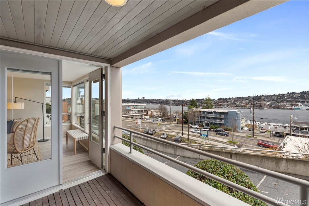 1740 Aurora Ave N Seattle WA 98109