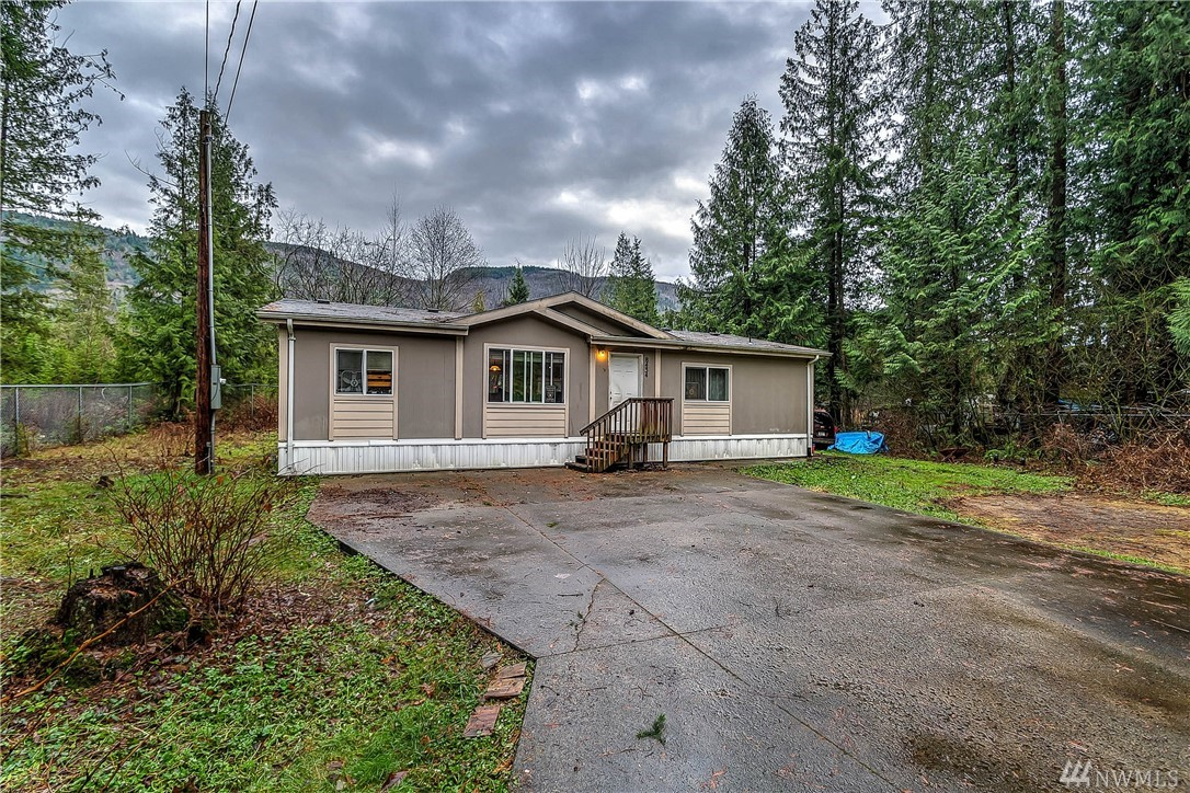 8434 Golden Valley Dr Maple Falls WA 98266
