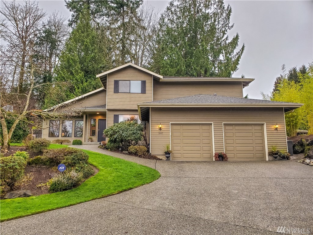 1645 Pine View Dr NW Issaquah WA 98027