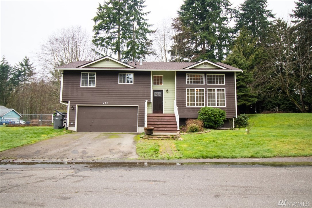 214 Fern Meadows Loop SE Port Orchard WA 98366