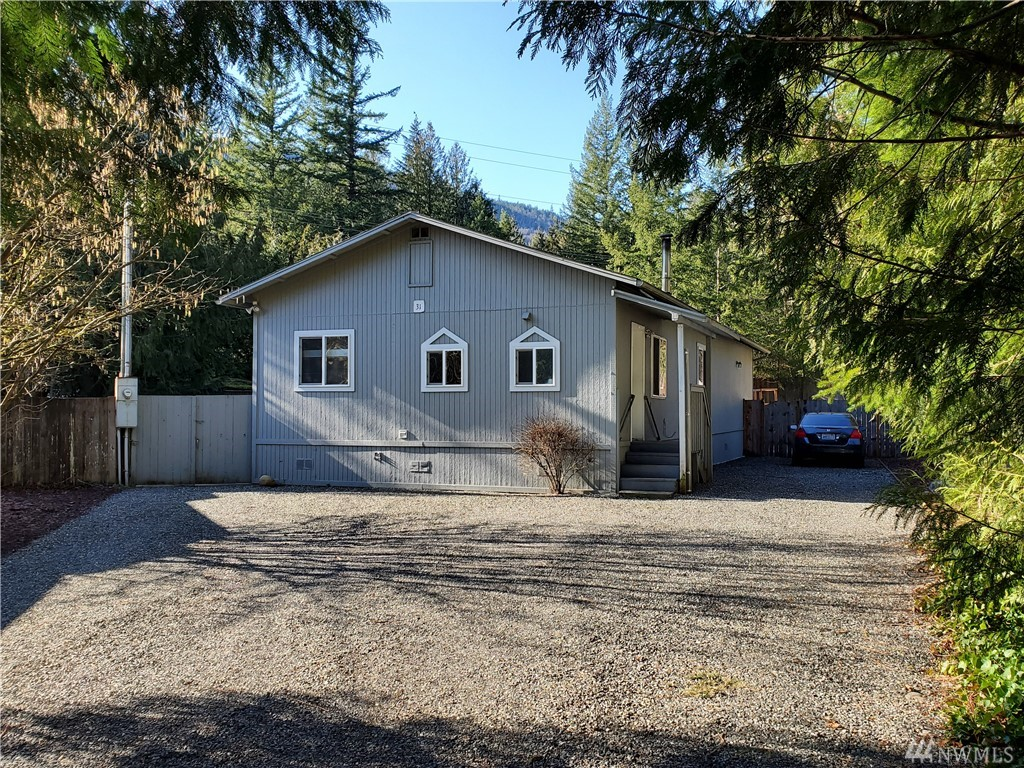 31 Flair Valley Dr Maple Falls WA 98266