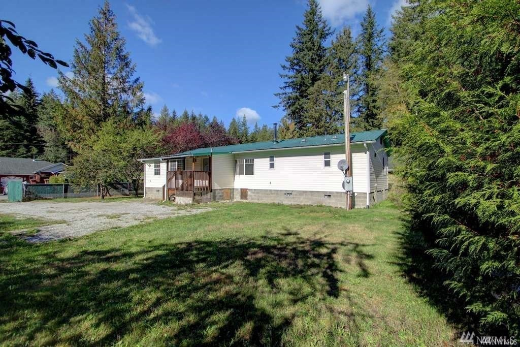 8608 Golden Valley Dr Maple Falls WA 98266