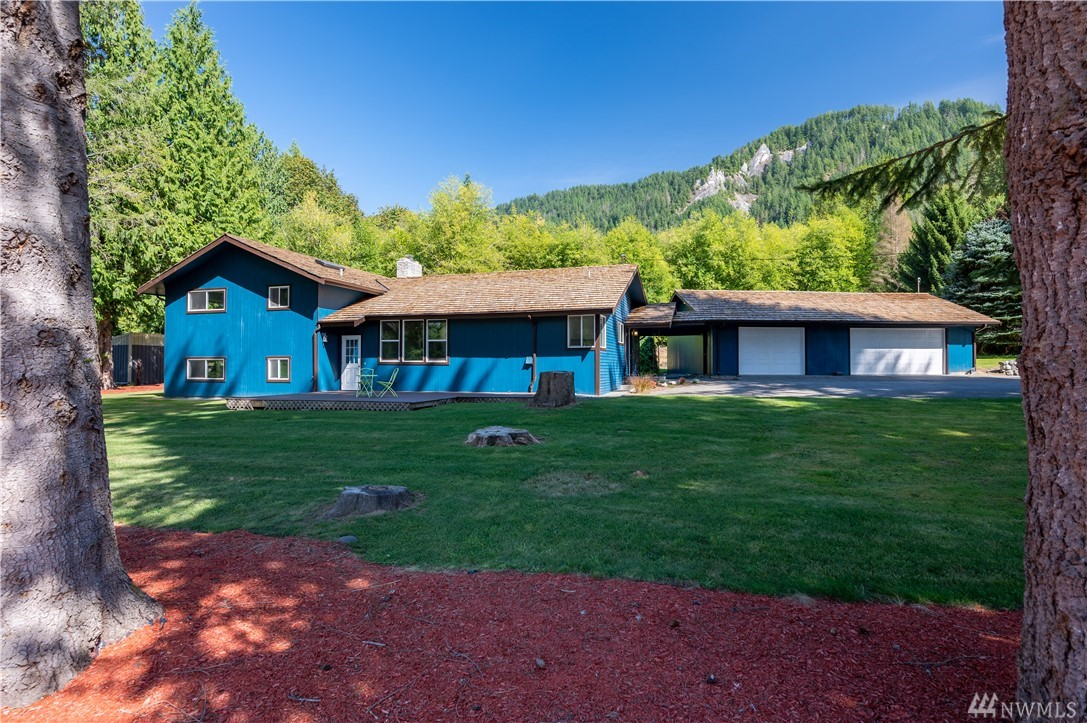 4086 Linnell Rd Deming WA 98244
