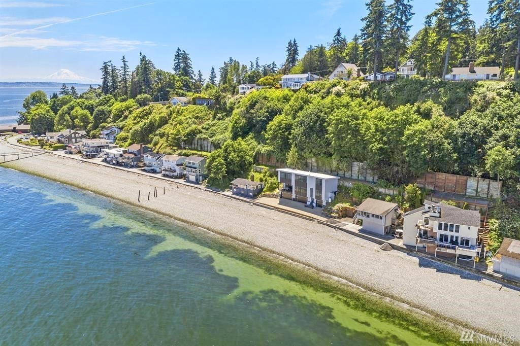 11143 Rolling Bay Walk NE Bainbridge Island WA 98110