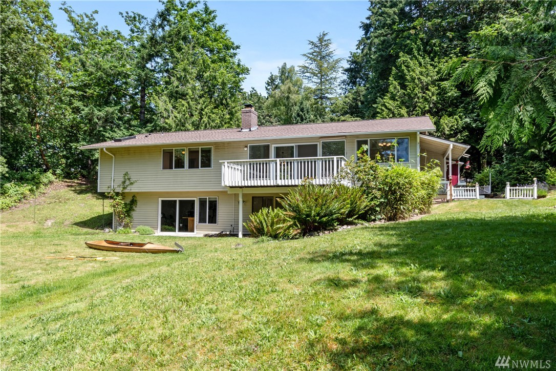 4627 Blakely Ct E Bainbridge Island WA 98110