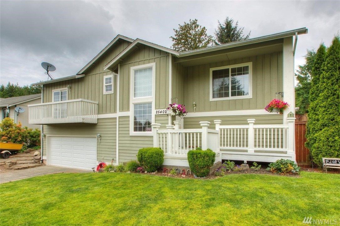 25402 Kanasket Dr Black Diamond WA 98010