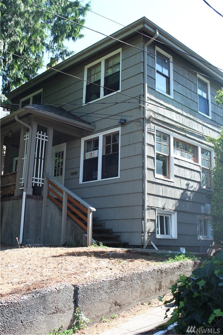 4710 9th Ave NE Seattle WA 98105