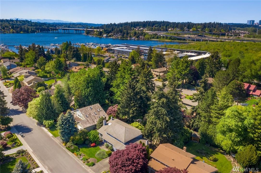 Photo 5 of 10 Lummi Key Bellevue WA 98006