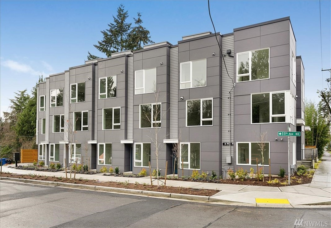 10843 11th Ave NE Seattle WA 98125
