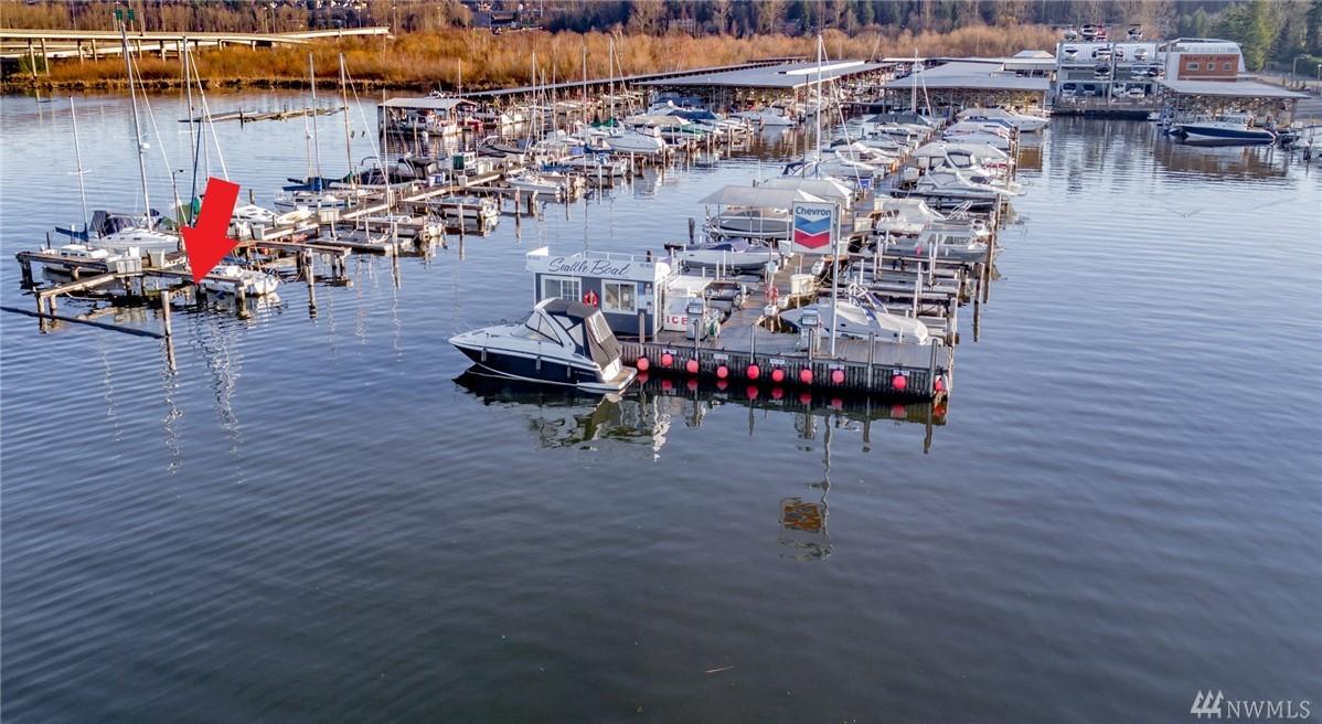Photo 9 of 3911 Lake Washington Blvd SE Bellevue WA 98006