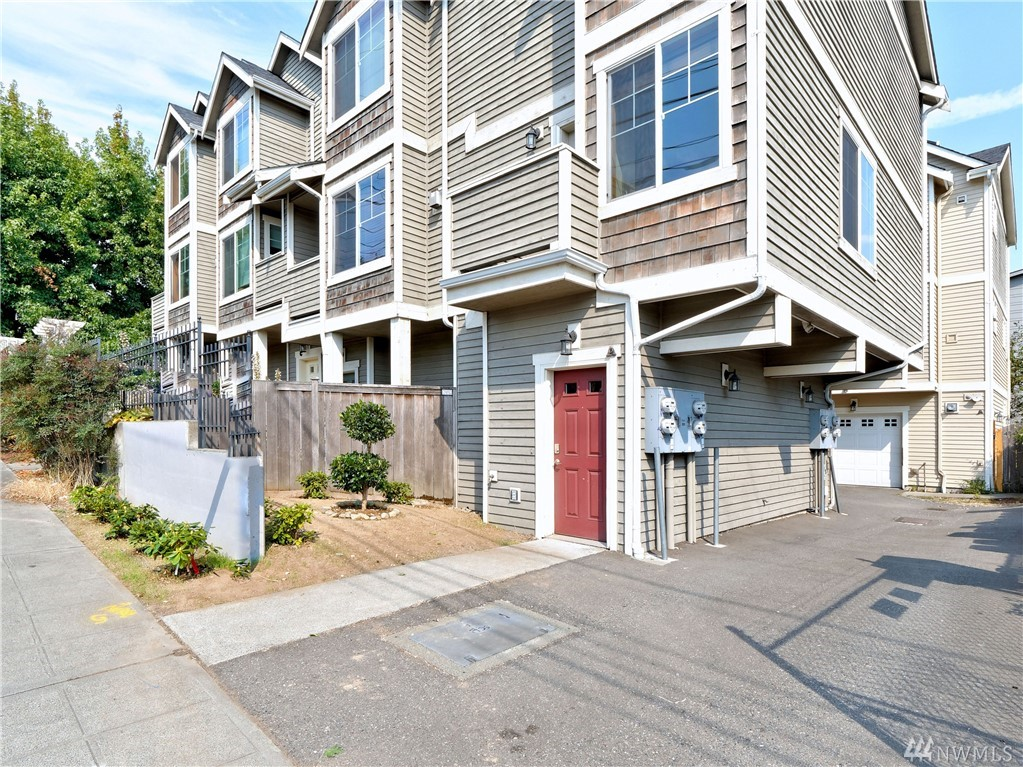 4346 7th Ave NE Seattle WA 98105