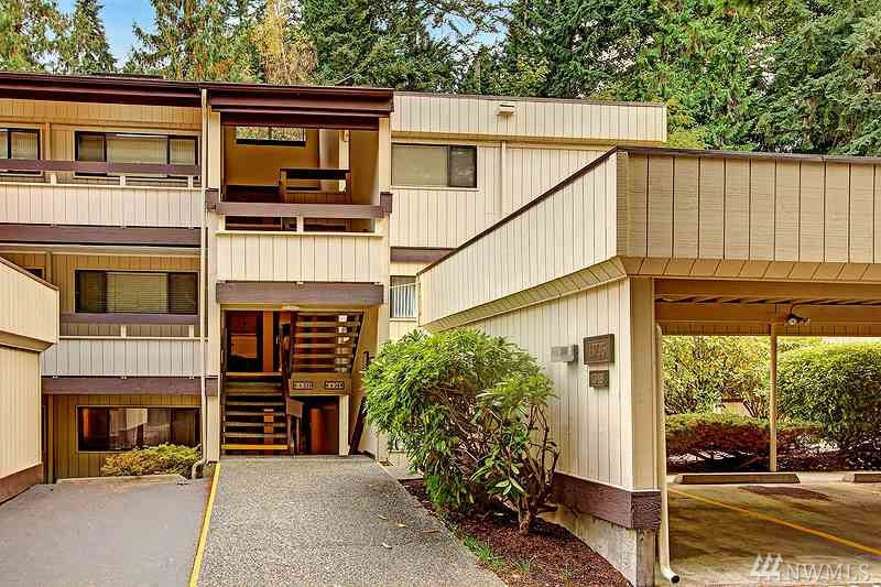 13735 15th Ave NE Seattle WA 98125